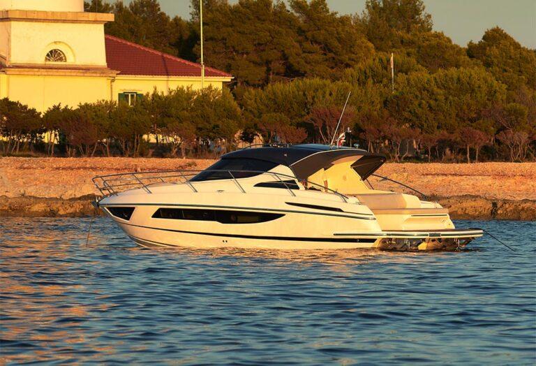 yacht in sunset, hydraulic swim platform