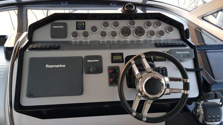 yacht dashboard